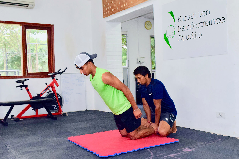 Shubham-Jaglan-with-trainer-Sandeep-at-Kination-Performance-Studio